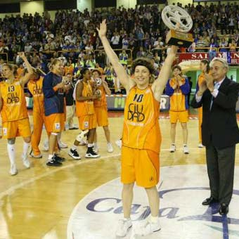 Ros Casares Wins 3rd Consecutive League Championship