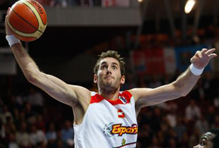 Rudy Fernandez Signs With Real Madrid