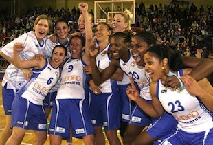 Ros Casares Stump Over Perfumerias Avenidas To Win Spanish Title