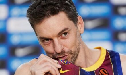 Pau Gasol takes a bath of barcelonismo in his presentation
