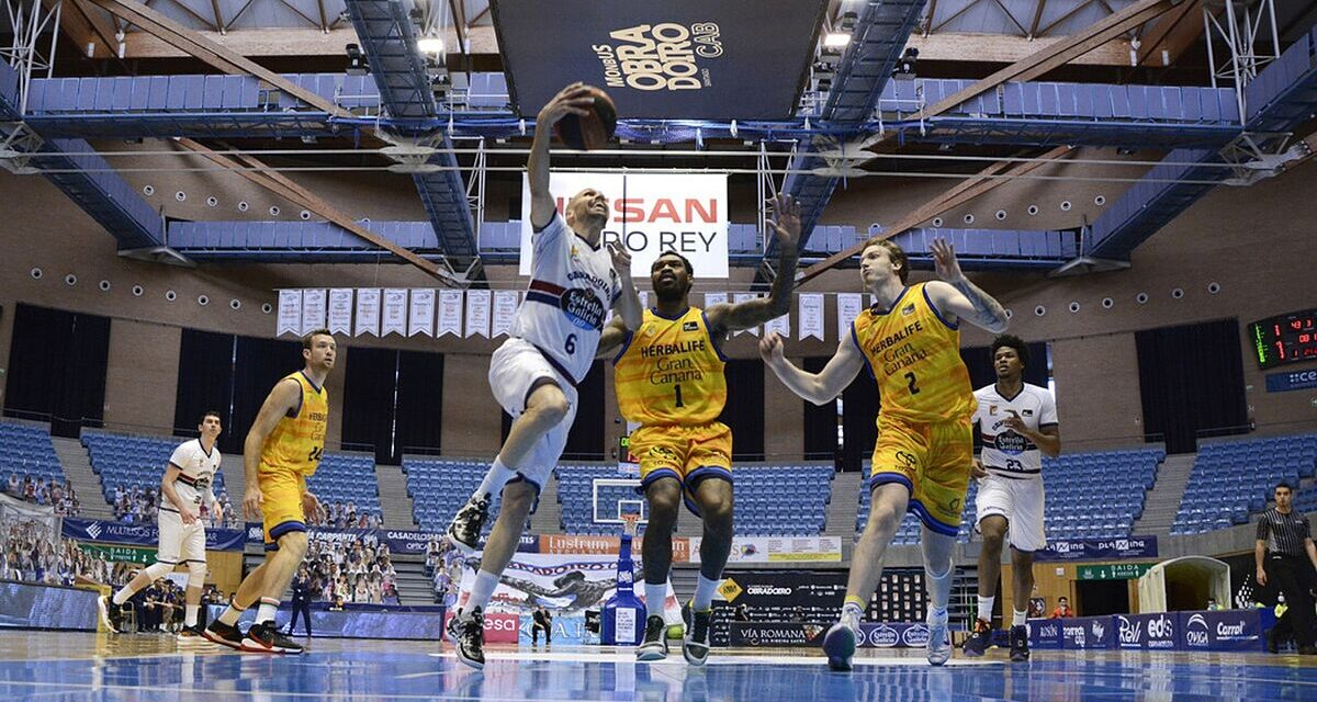 Oliver's exhibition takes the Obradoiro away from the red zone