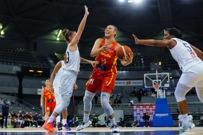 72-45 |  Spain continues to mature its game in its second tes …