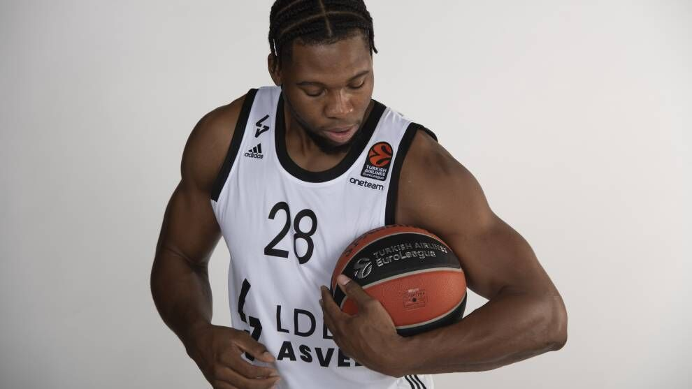 """Yabusele, new signing of Real Madrid: a """"dancing bear"""" d …"""