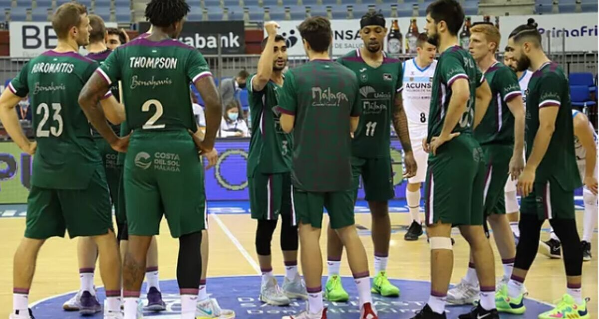The Unicaja crashes at the start of the market
