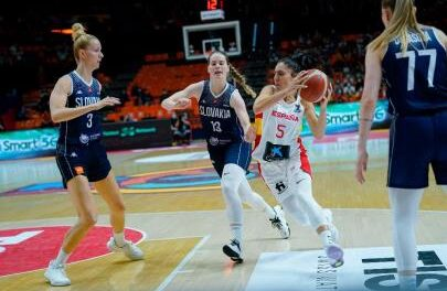 Spain defeats Slovakia and will play the eighth against Monten …