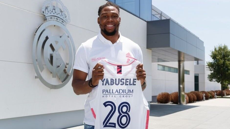 Real Madrid makes the signing of its fourth musket official …