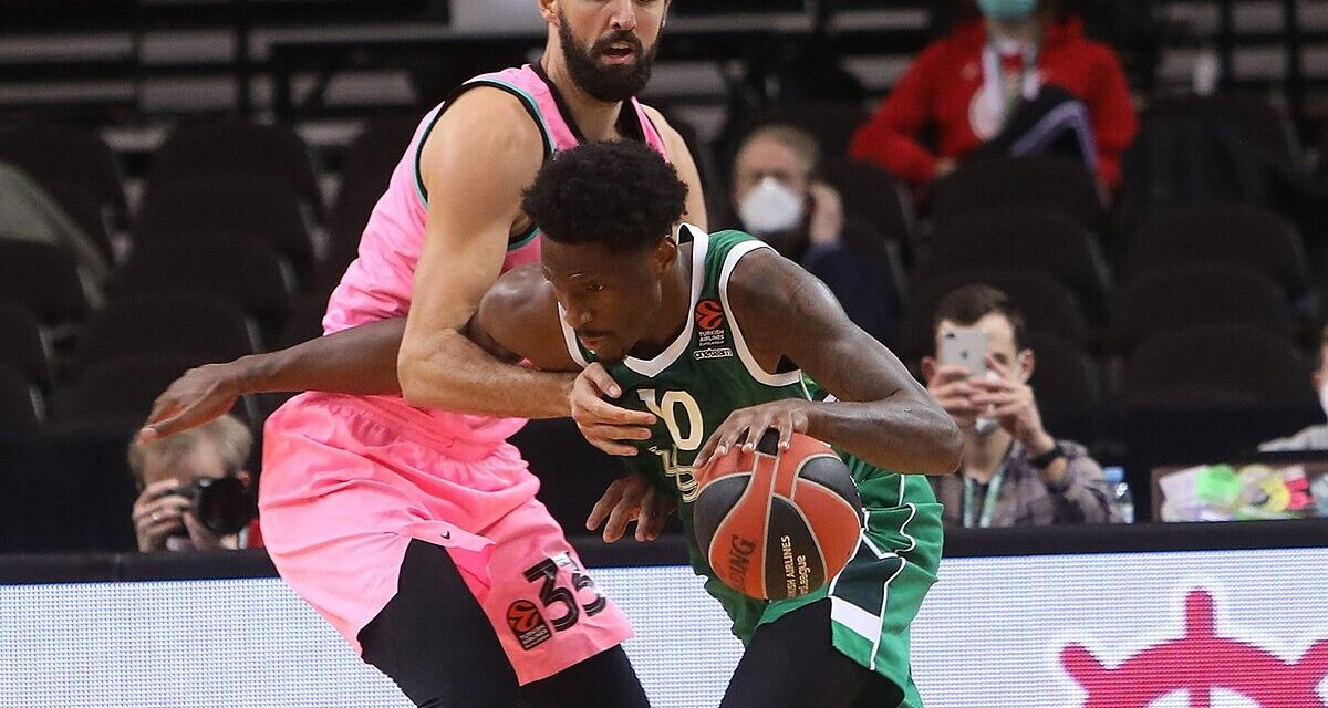 Barcelona closes the signing of Nigel Hayes