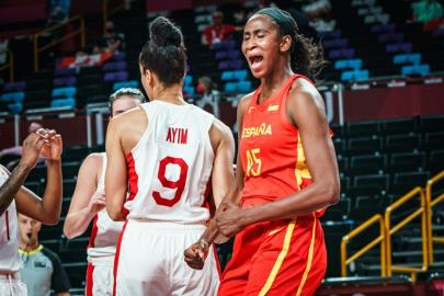 Spain reaches the Quarters undefeated and as the first of the group (…
