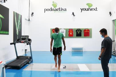 Levitec Huesca players check their footprint at the headquarters …