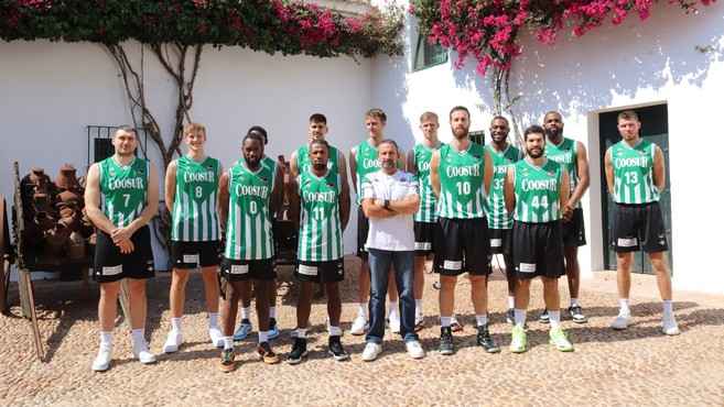 The spectacular visit of Coosur Real Betis to Hacienda G …