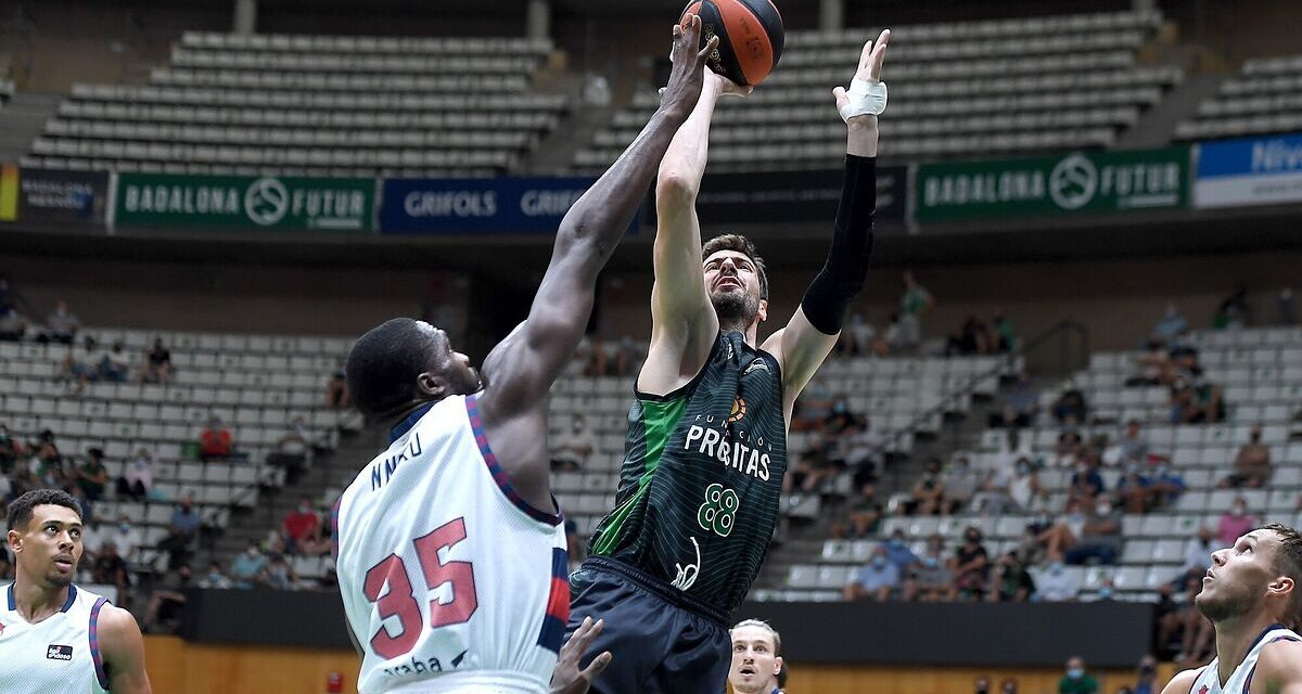 The towers of Joventut roam at ease against a Baskonia …
