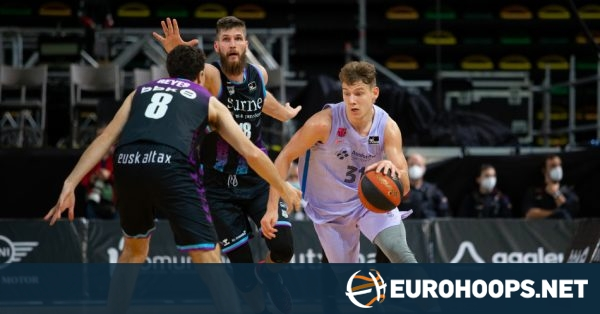 Barcelona, Real Madrid latch to 4-0 ACB starts